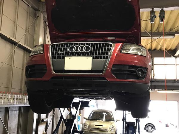 アウディ Q5 車検 エンジンオイル漏れ修理
