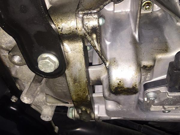 アウディ TT 8N型 下回り修理