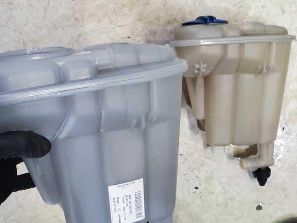 アウディA4アバント冷却水不足の警告灯点灯